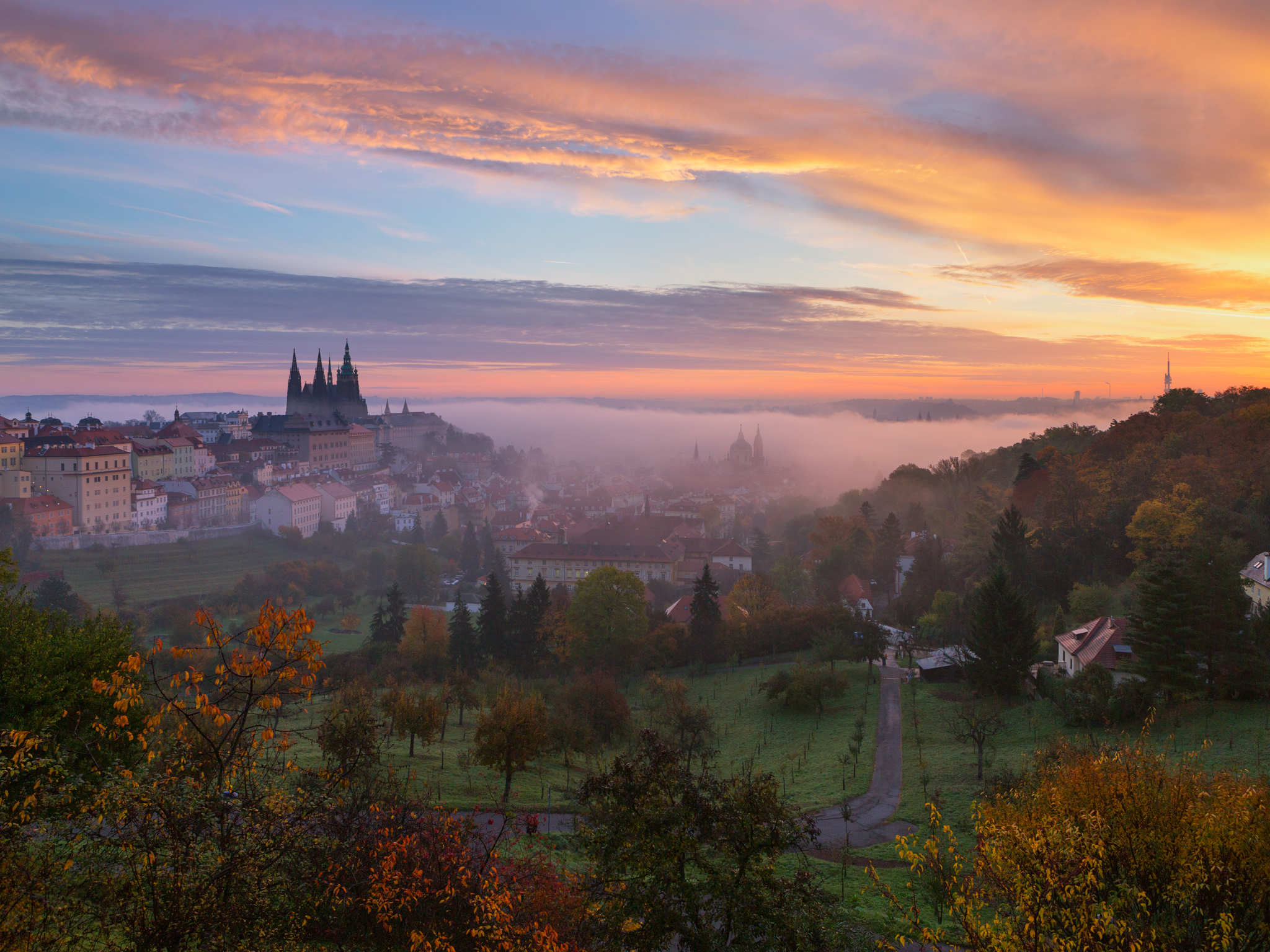Where are the best places with fantastic views of Prague?